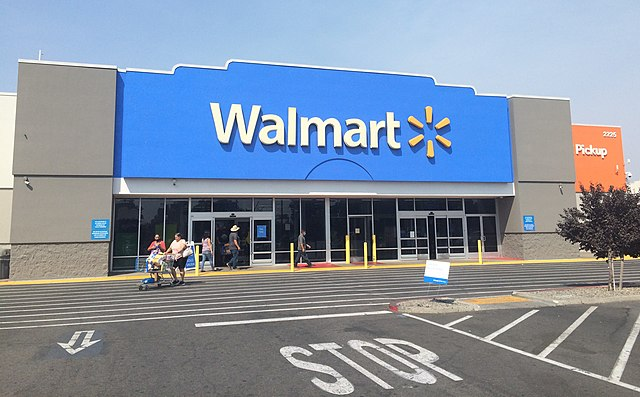 What Time Does Walmart Service Desk Close? (2021 Full Guide)